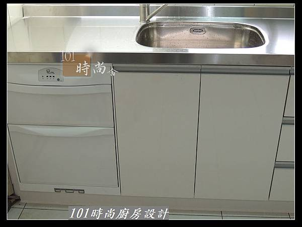 @不鏽鋼檯面一字廚房設計 廚具工廠直營  作品分享:松山路劉公館(56).jpg