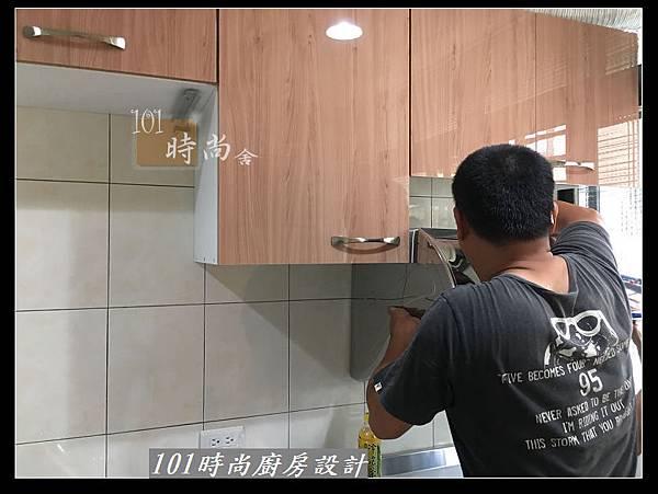 @不鏽鋼檯面廚房設計一字型作品-萬大路張公館(13).JPG
