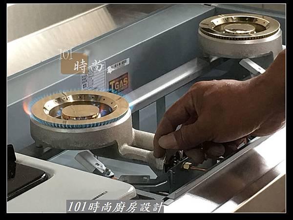 @不鏽鋼檯面廚房設計一字型作品-萬大路張公館(28).JPG