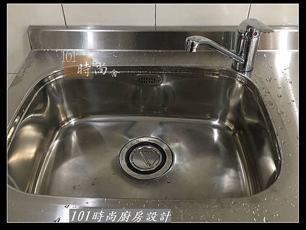 @不鏽鋼檯面廚房設計一字型作品-萬大路張公館(44).JPG