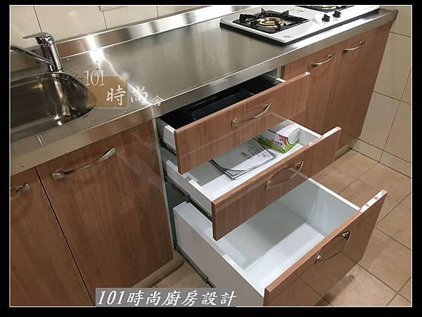 @不鏽鋼檯面廚房設計一字型作品-萬大路張公館(47).JPG