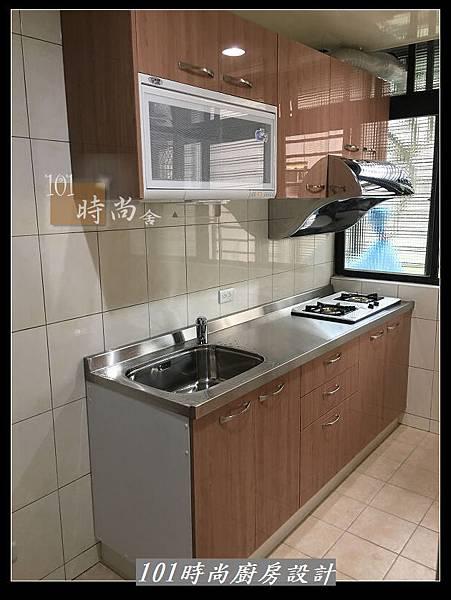 @不鏽鋼檯面廚房設計一字型作品-萬大路張公館(61).JPG