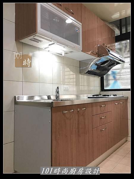 @不鏽鋼檯面廚房設計一字型作品-萬大路張公館(63).JPG