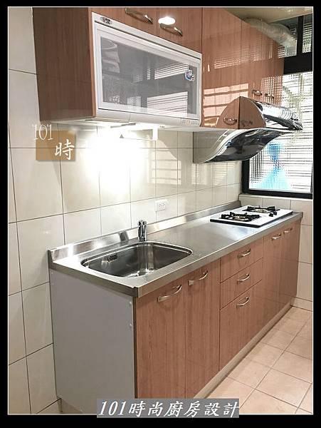 @不鏽鋼檯面廚房設計一字型作品-萬大路張公館(62).JPG