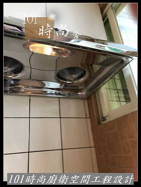 @不鏽鋼檯面一字型廚房設計 系統廚具櫥櫃工廠直營 作品分享:新店北宜路黃公館(11).jpg