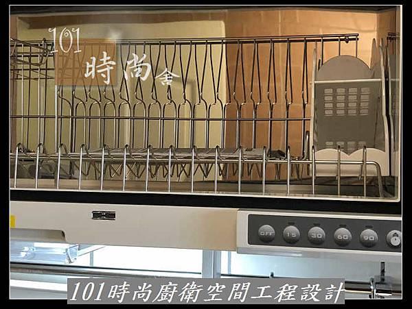 @不鏽鋼檯面一字型廚房設計 系統廚具櫥櫃工廠直營 作品分享:新店北宜路黃公館(41).jpg