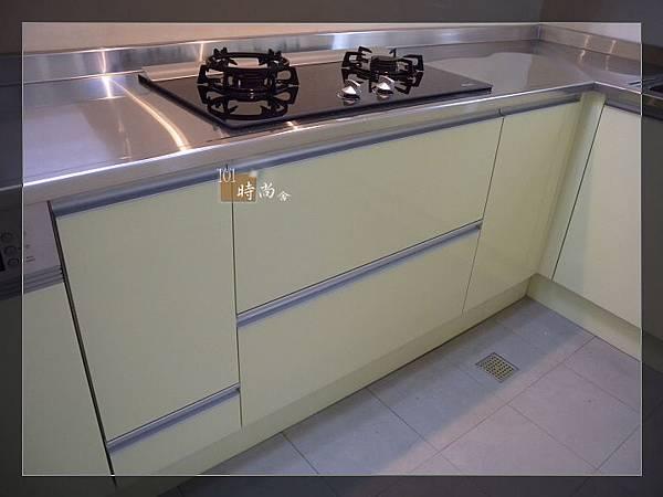 101時尚舍廚房設計16-1.jpg