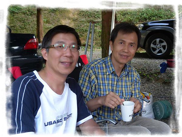 @2010/12/11-12新竹北埔永茂森林山莊露營~UNRV環球露營 -露頂家族-三隻小豬