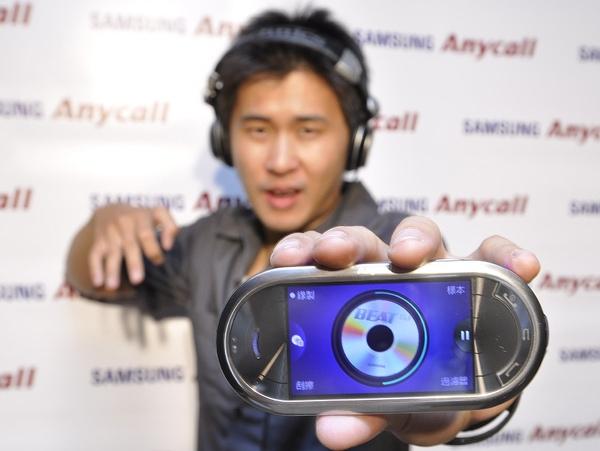 Samsung Beat DJ M7600創新的混音技術,連專業DJ都超滿意!.jpg