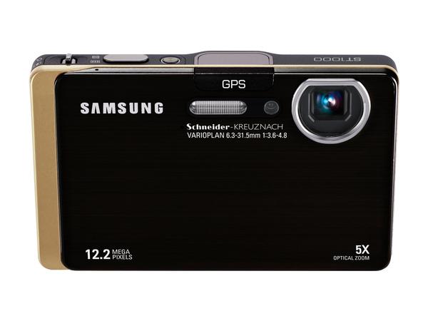 Samsung ST1000讓社群網路使用者,即使在行動中也能隨時隨地拍了就分享,突破傳統數位相機在上傳與分享的限制。.jpg