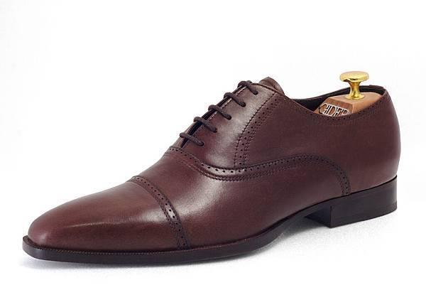 牛津鞋款(Oxford)定價:NTD 6800