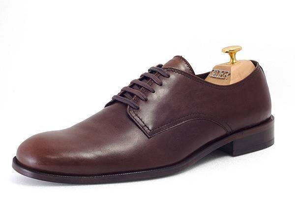 德比鞋款(Derby)定價:NTD 7300