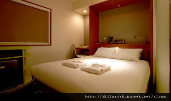 room_l03.jpg