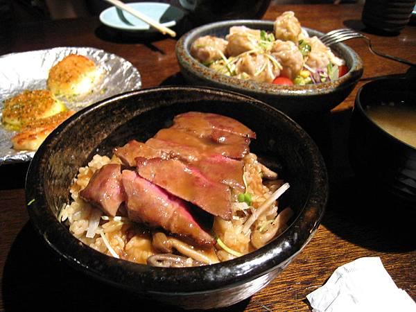 豆的和風牛肉拌飯,90圓