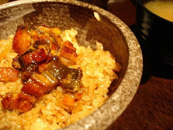 小胖的鰻魚拌飯,90圓