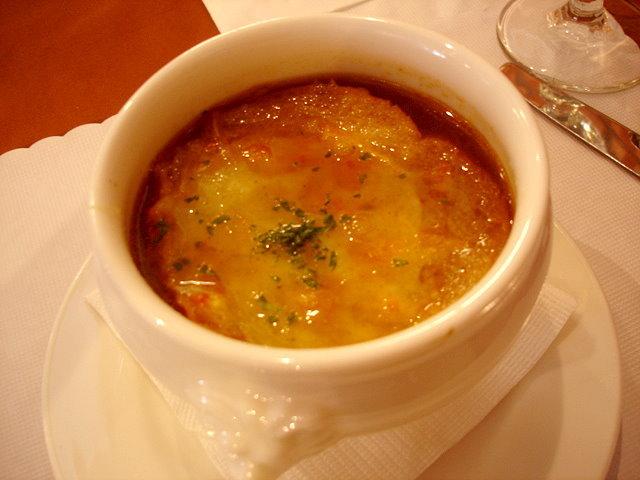 男人的洋蔥起司湯