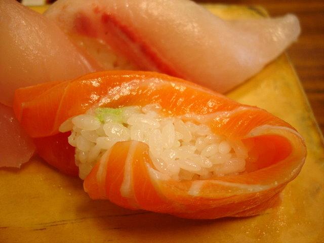 看我的鮭魚