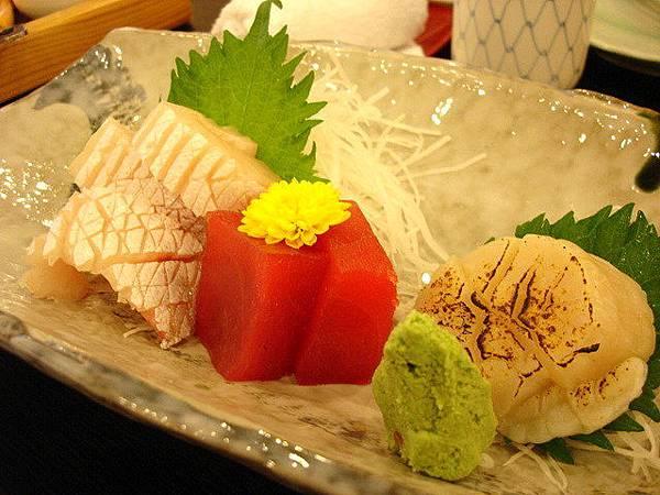 這是一千元套餐的生魚片