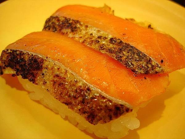 微炙鮭魚握壽司