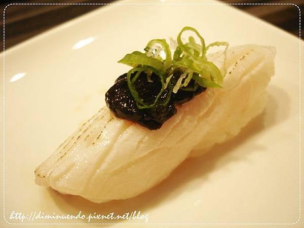 海鱺魚佐海苔醬XD,竟然佐海苔醬耶