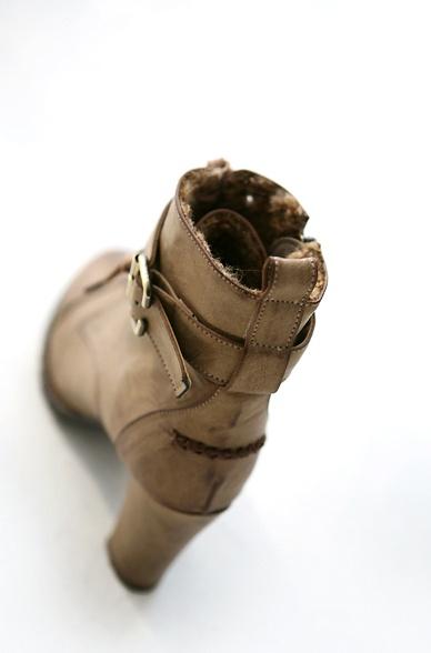 軍靴1.jpg