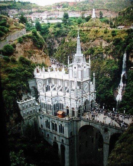 哥倫比亞Las Lajas教堂