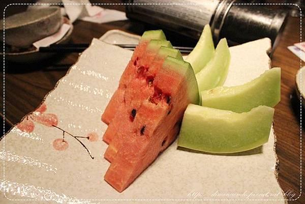 最後會有水果。