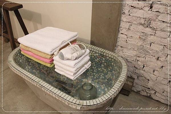 放浴巾等物品的地方