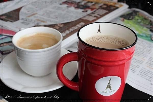 20元的奶茶跟35元熱的喜拉朵咖啡吧