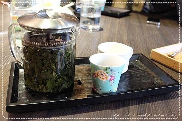 我相當敢的點了桂花烏龍茶220元