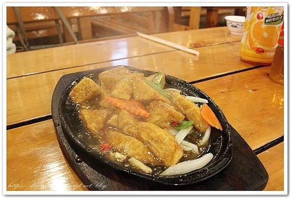 鐵板豆腐100元