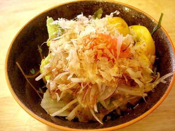 m的野菜沙拉50圓