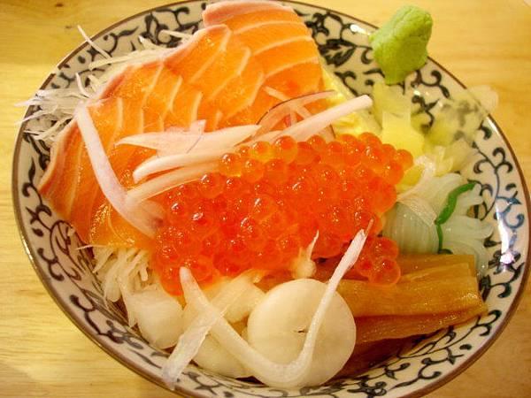 王小明的鮭魚親子丼,150圓
