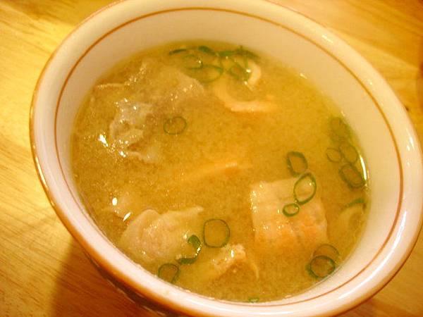 我要嚐鮮,當然點不一樣的鮮魚味增湯,也是30圓