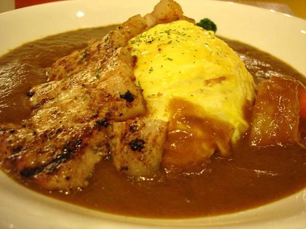 水梨醬豬排歐姆蛋咖哩飯,Janice點的,套餐250圓