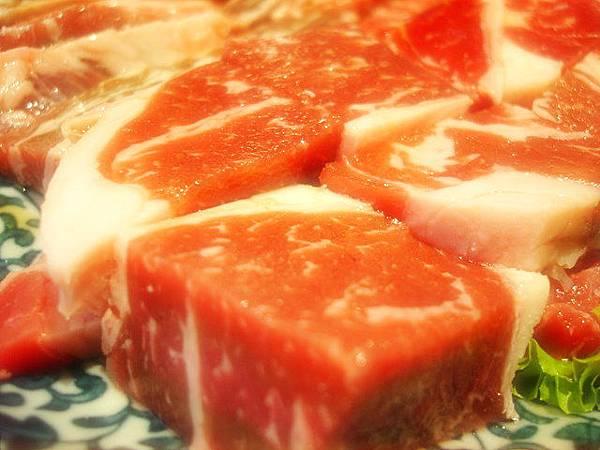 這是冷藏無骨牛燒肉吧