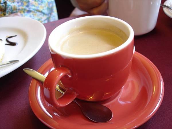 李爸好像點熱咖啡
