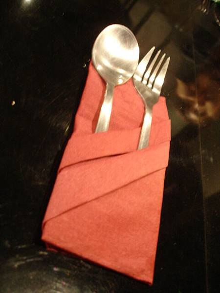 紙巾與餐具