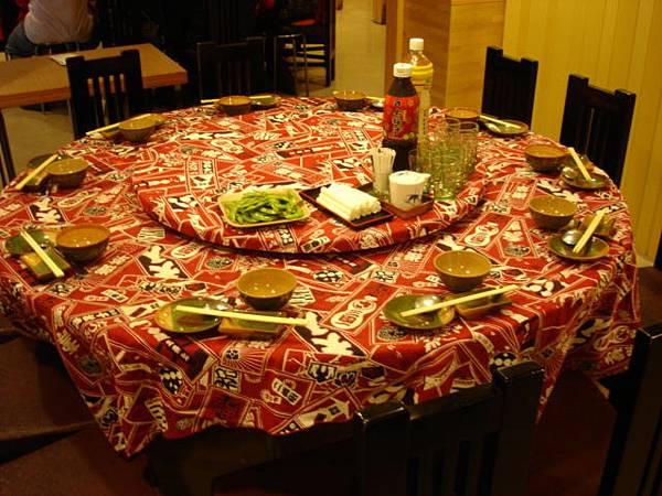 我們訂了兩桌