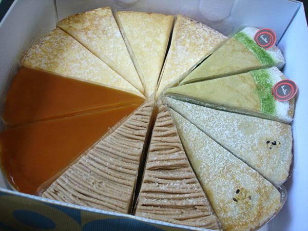 有五個口味,討厭,送千層蛋糕給阿嬤的人不會把全部口味都買來嗎XD