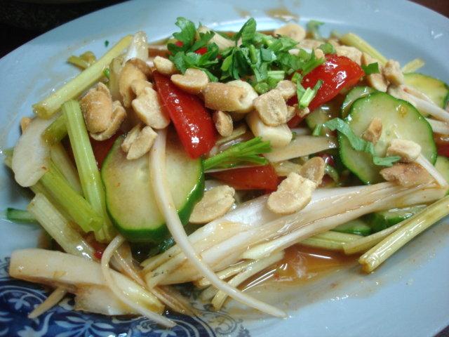 泰式涼拌蔬菜,60元