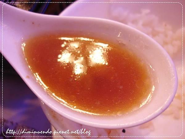 這比較清一點的顏色好像是我的湯?