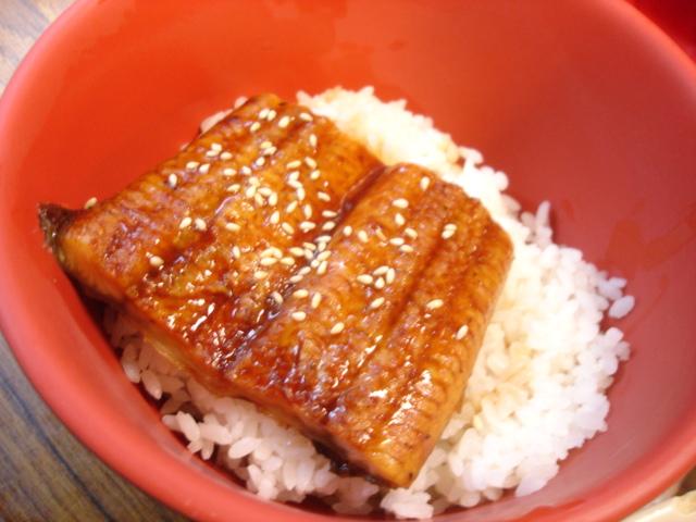 老媽常愛點的鰻魚飯,100元