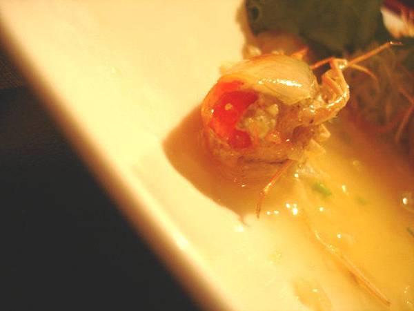 生蝦的蝦頭有弄熟