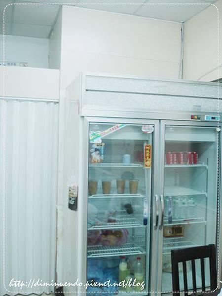 放飲料的冰箱