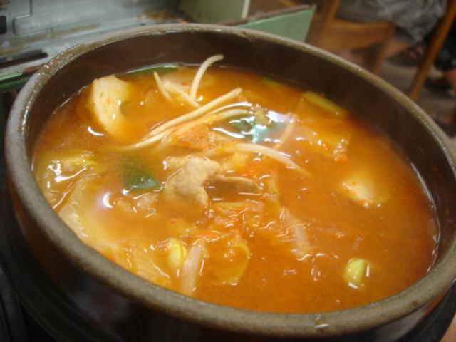 韓國泡菜豆腐鍋100元