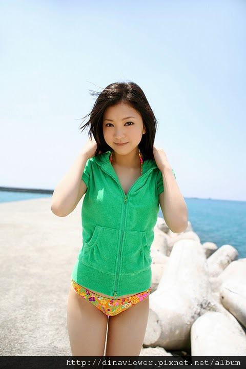 maari_nakashima_bikini_01.jpg