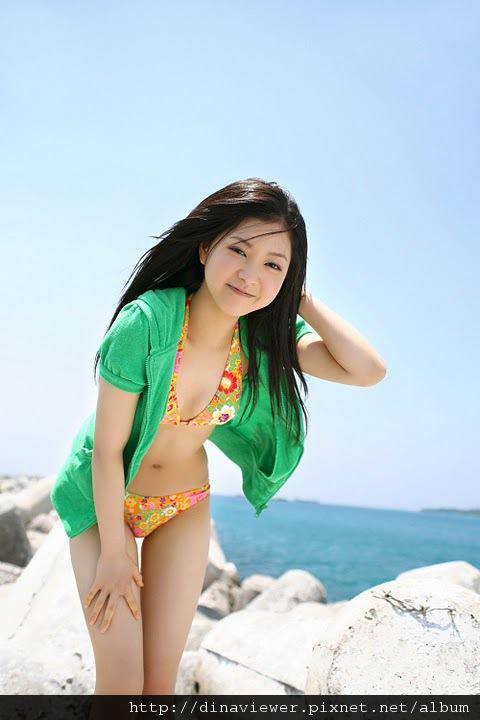 maari_nakashima_bikini_10.jpg