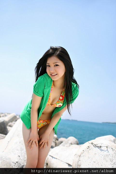 maari_nakashima_bikini_11.jpg