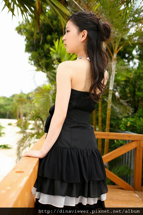 maari_nakashima_blackdress_06.jpg